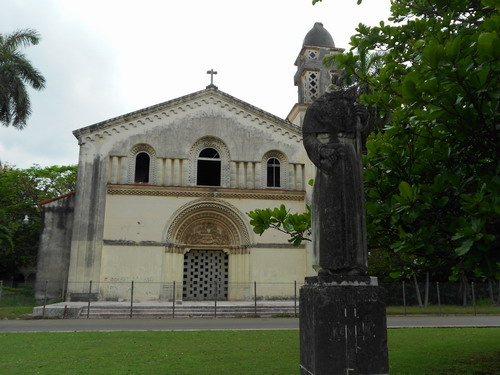 Fachada de la capilla de la antigua Universidad de S. Tomas de Villanueva (1)