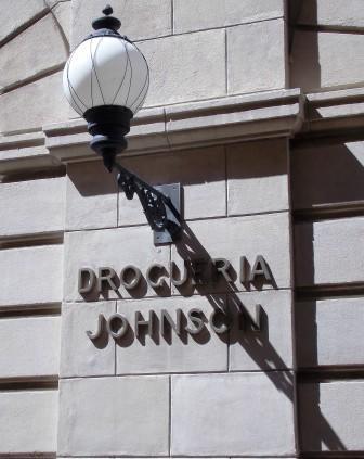 La Drogueria Johnson es Abierta Nuevamente (4)